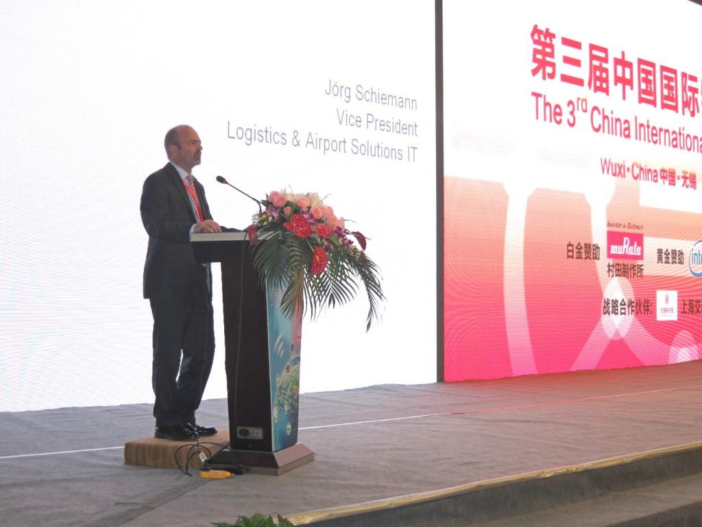 Jörg Schiemann auf der IOT Konferenz in Wuxi, China
